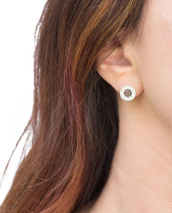 Örhängen-Silver-Mini-Shield-Ear-STud-Grey-moon-Shieldmaid-695-SEK